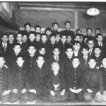 1953 - Ohshima Sensei a destra del Maestro Funakoshi nel Club di Karate della Università di Waseda nel 1953.