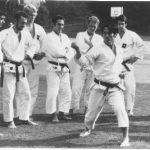1968 - Ohshima Sensei in una della sue prime visite in Svizzera negli anni 60.   Nel gruppo si vedono il defunto Sig. Henri Jordan (a sinistra) e Dominique Valera (secondo da destra).