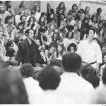 1973 - Ohshima Sensei con il Maestro Egami al California Institute of Technology.  Presentazione del Maestro Egami da parte di Ohshima Sensei al Caltech