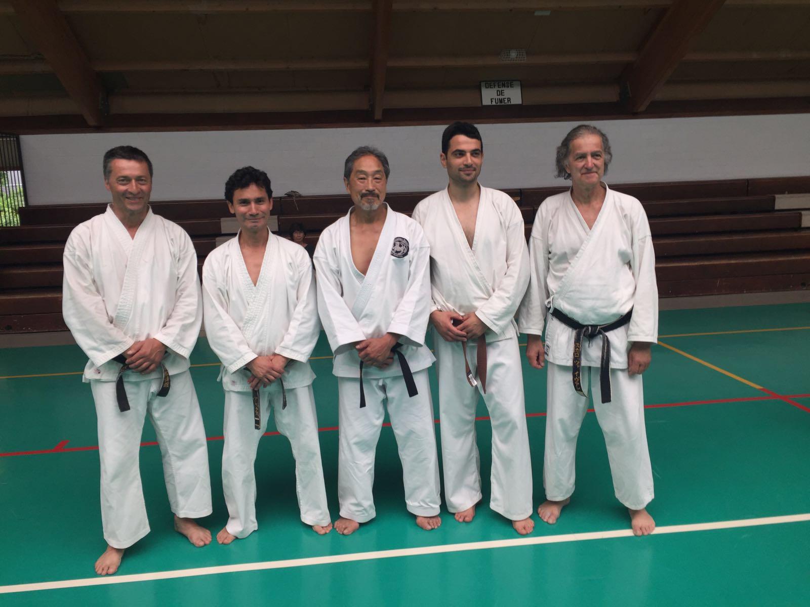 2016 - Membri di Ticino Shotokan Karate con John Teramoto (5. DAN - Shotokan Karate of America) durante lo stage tecnico tenutosi a Colmar (FR) il 25 e 26 giugno 2016.